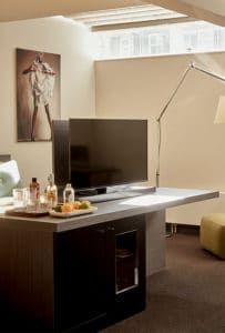 hotel-park-centraal-amsterdam-room-family-suite-tv