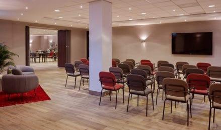 hotel-park-centraal-amsterdam-meeting-room-sydney-theatre-setup