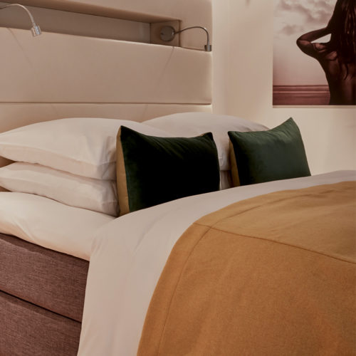 hotel-park-centraal-amsterdam-room-duplex-suite-lounge-bed-detailed