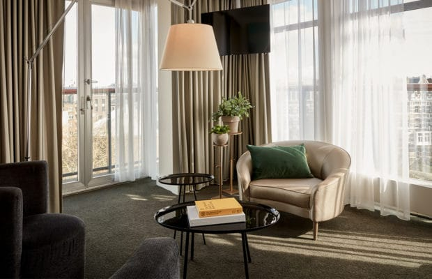 hotel-park-centraal-amsterdam-room-family-suite-lounge