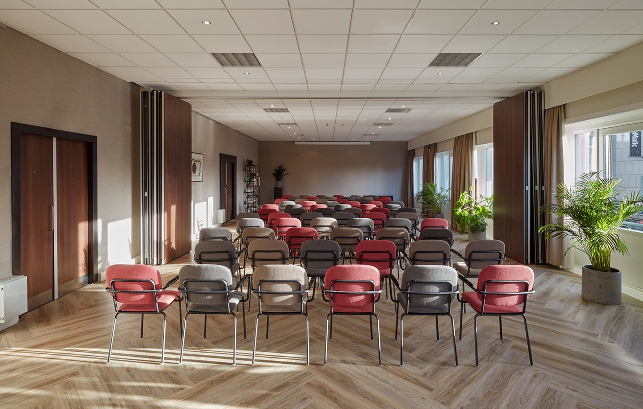 hotel-park-centraal-amsterdam-meeting-room-london-theatre-setup-preview