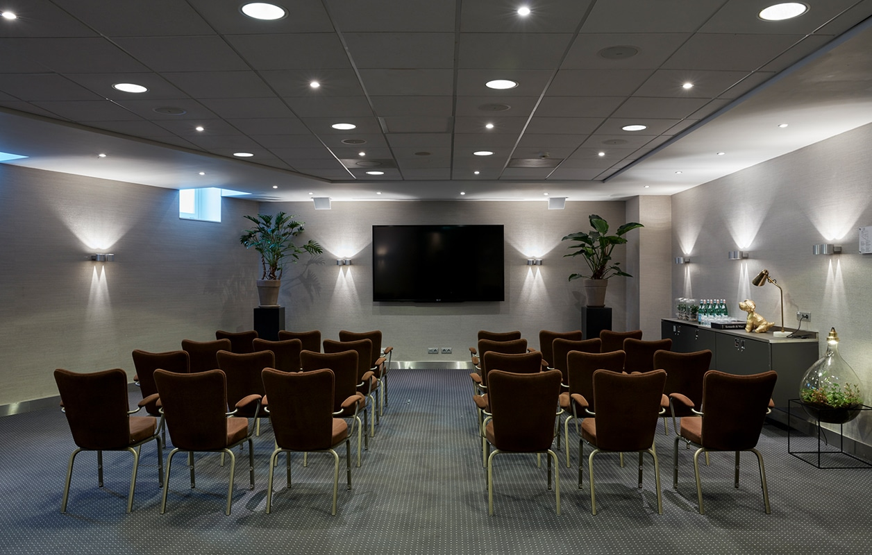 hotel-park-centraal-amsterdam-meeting-room-paris-school-setup