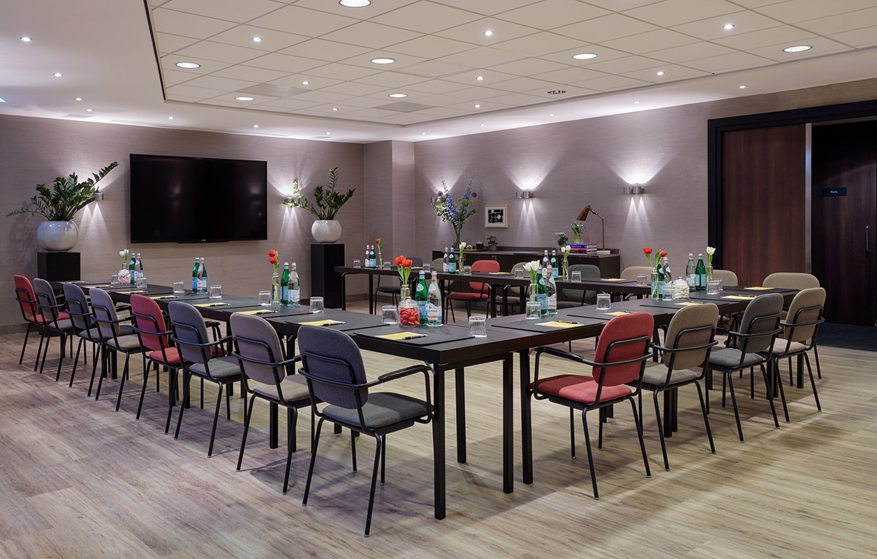 hotel-park-centraal-amsterdam-meeting-room-sydney-u-shape-setup