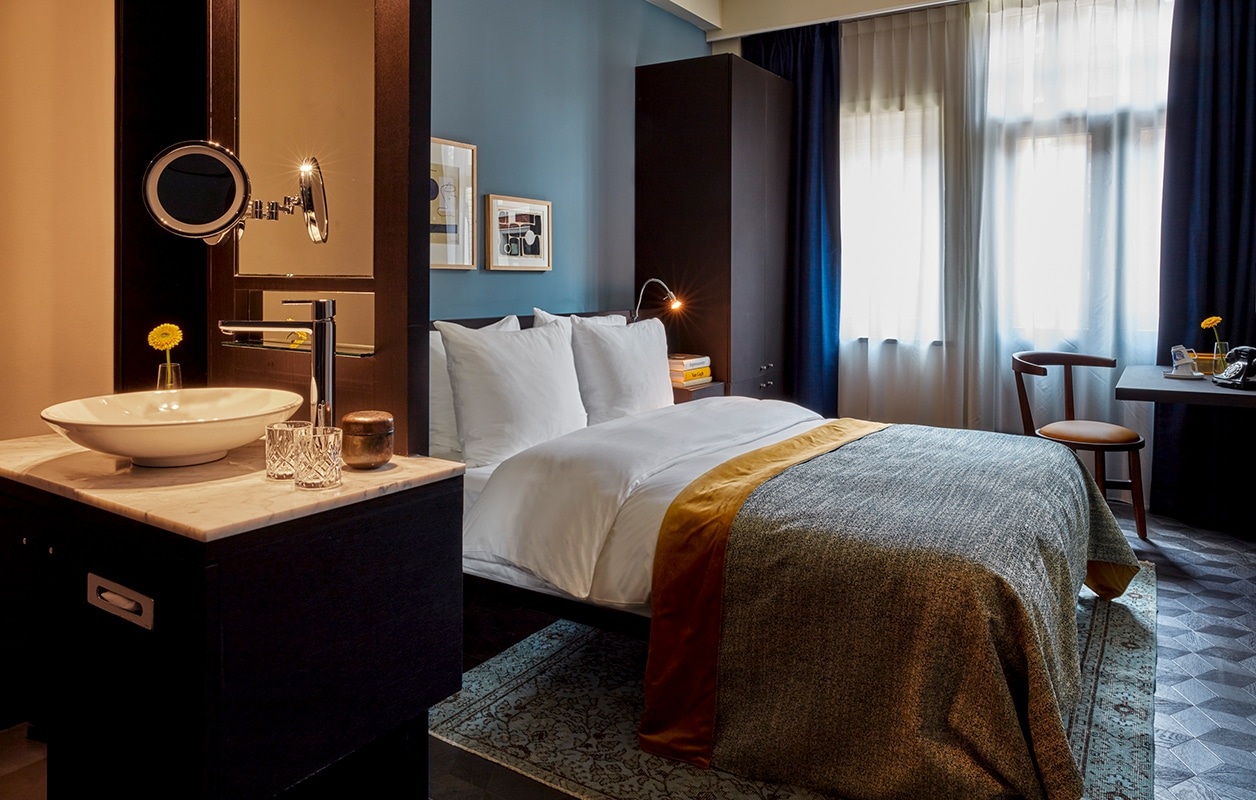 628x400-Amsterdam-Rooms-Overview-Classic-Room-1