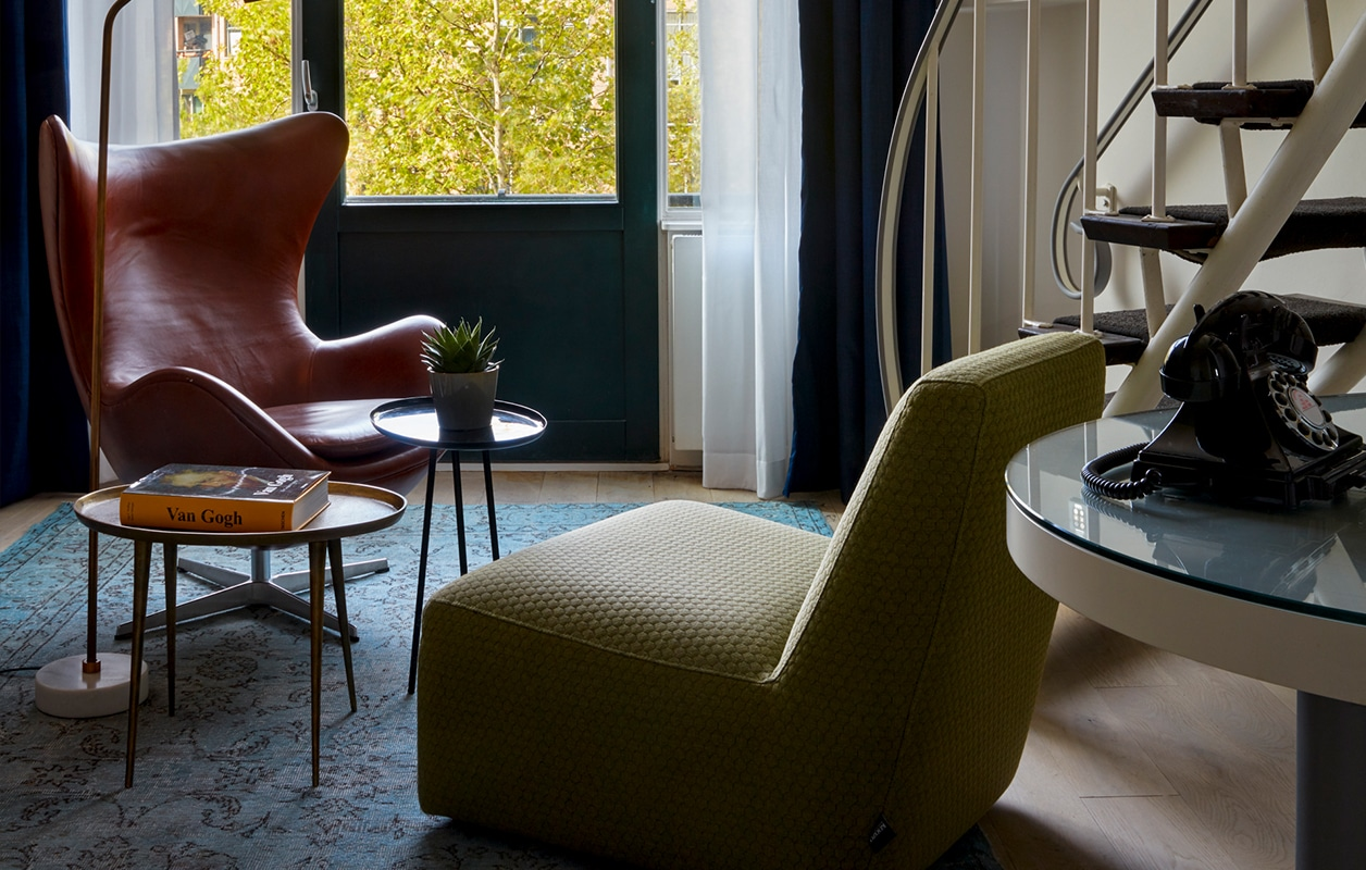 hotel-park-centraal-amsterdam-room-duplex-suite-lounge