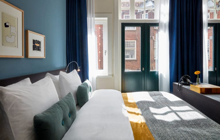 hotel-park-centraal-amsterdam-room-junior-suite-bed