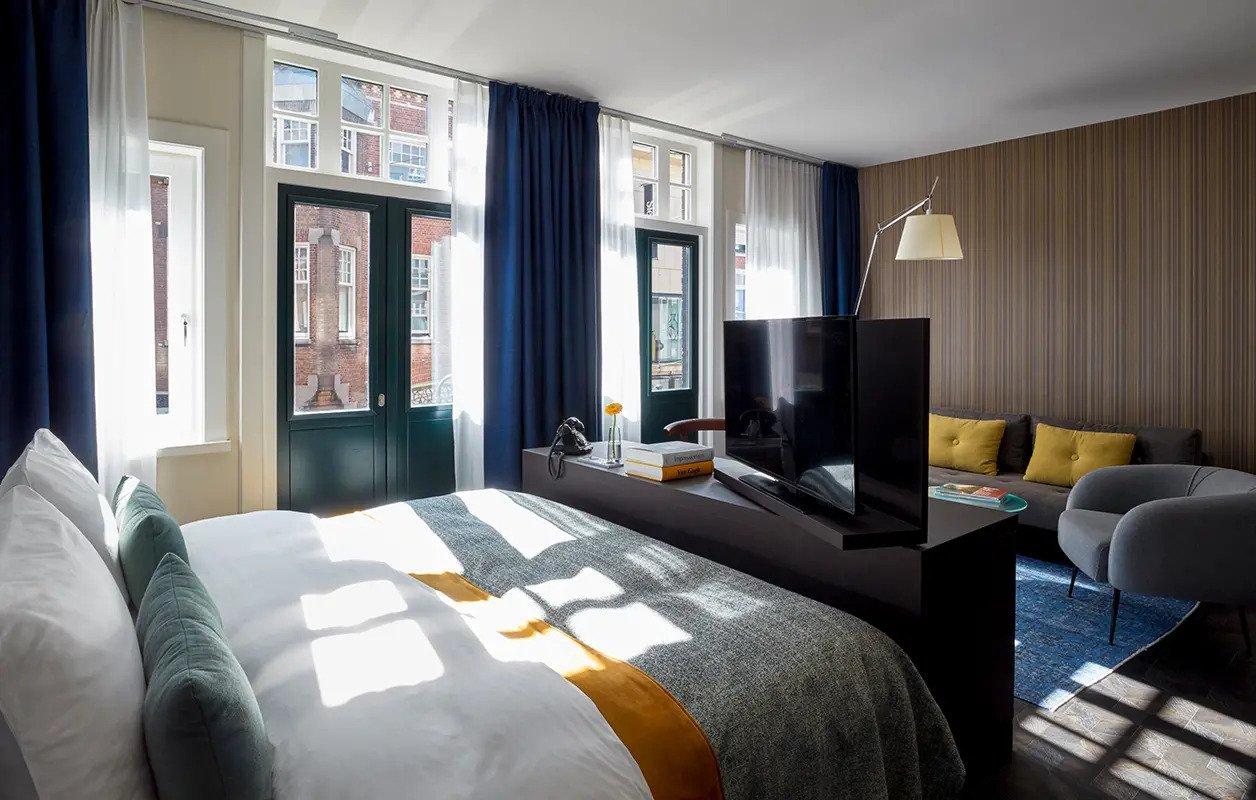 hotel-park-centraal-amsterdam-room-junior-suite-tv