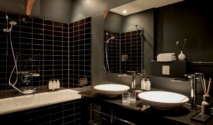 hotel-park-centraal-amsterdam-room-junior-suite-bathroom-bathtub