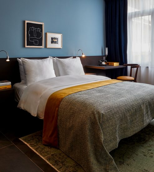 hotel-park-centraal-amsterdam-classic-room-bed