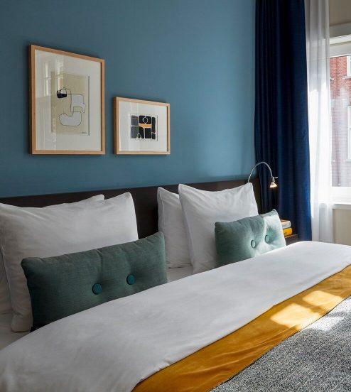 494x552-Amsterdam-Rooms-Detailed-Junior-Suite-ImageMiddle